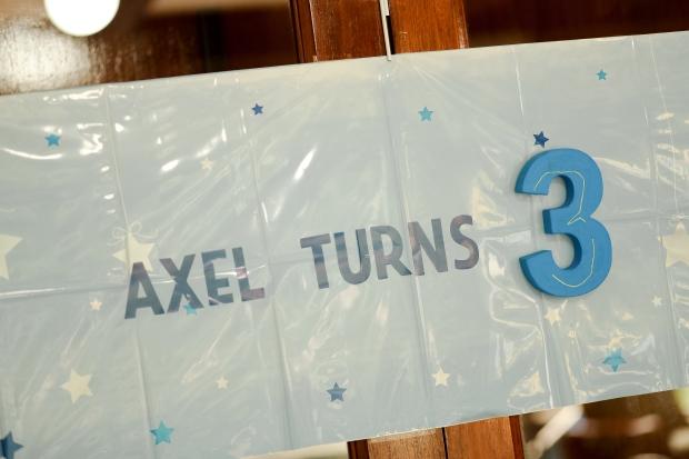 Axel-5329